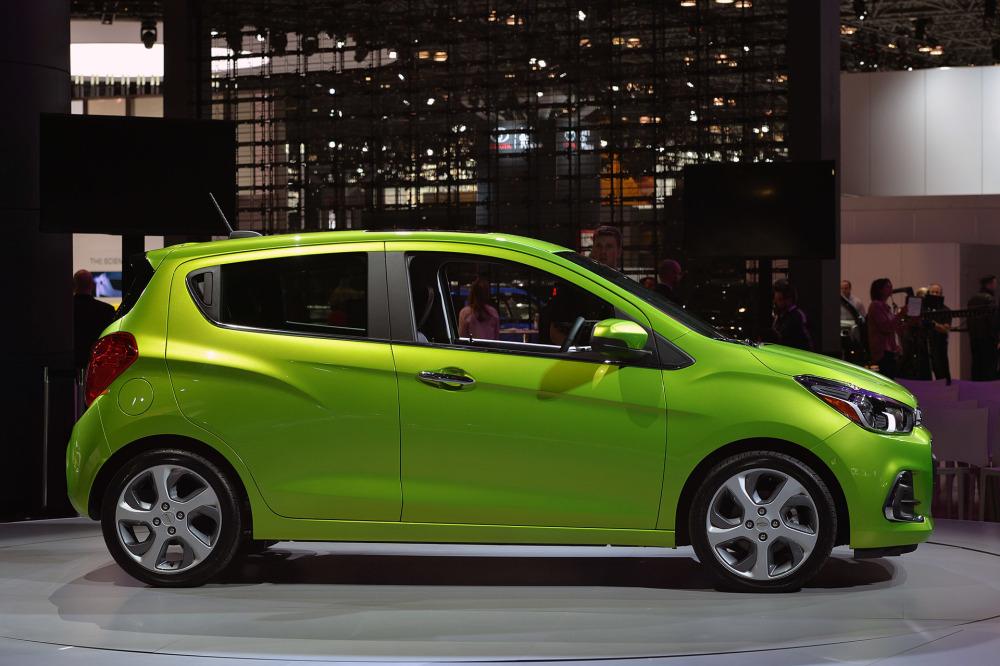 Nazareth_Black_Chevrolet_Spark_2016_Car-Fast-3