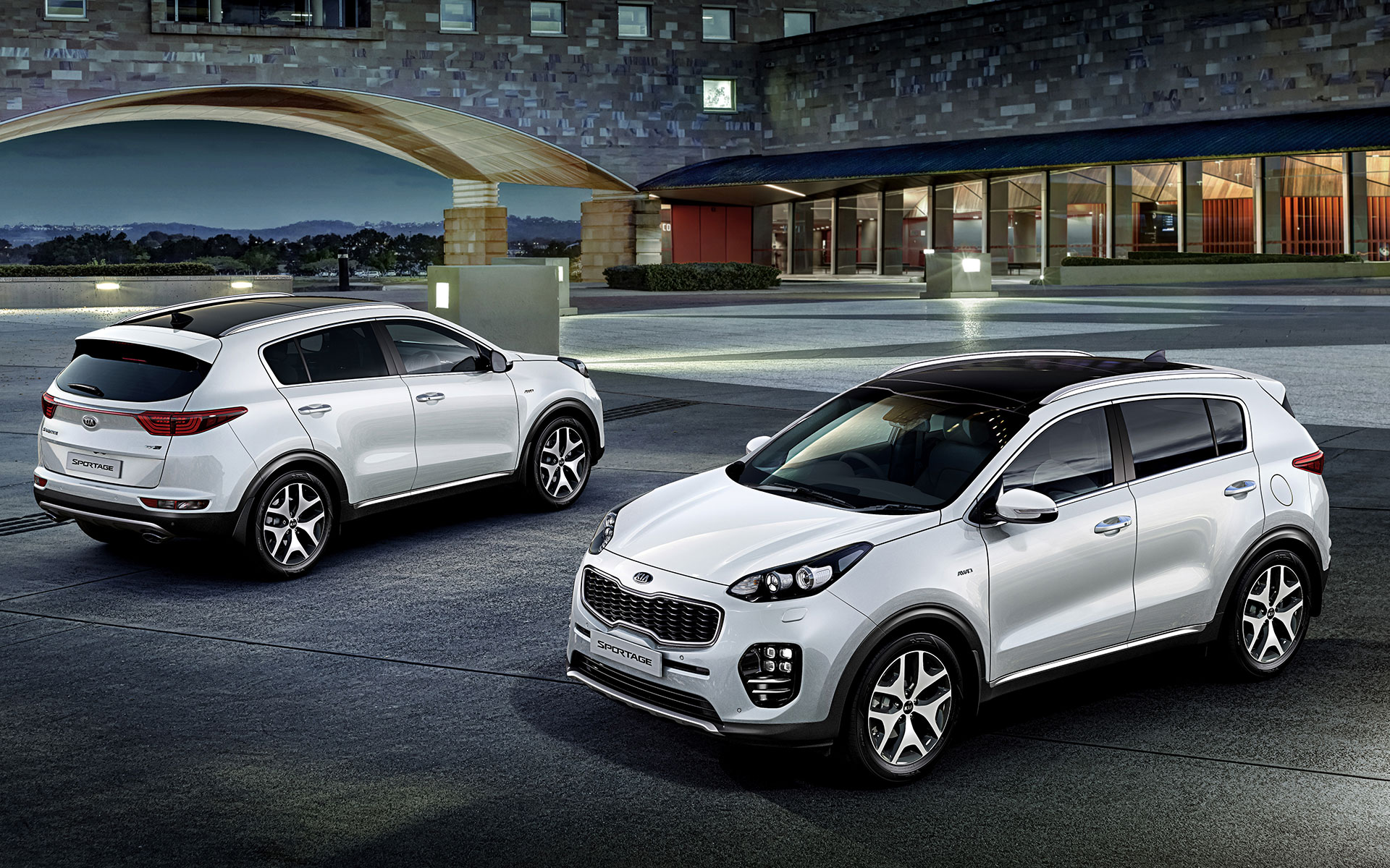 img_New_sportage_wide_b_ex09